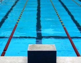 Sulla piscina la delusione degli atleti e l'invito al Comune: 'ci paghi almeno i costi per i disagi'
