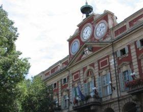Palazzo Rosso muove i primi passi per riorganizzare la sosta in centro e, intanto, riduce le tariffe