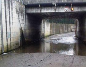 """Il sottopasso della Ventolina ancora inaccessibile. I cittadini furibondi: """"perché?"""" [FOTO]"""