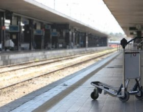 Pendolari: 'stazioni sempre più un luogo da evitare' [FOTO]