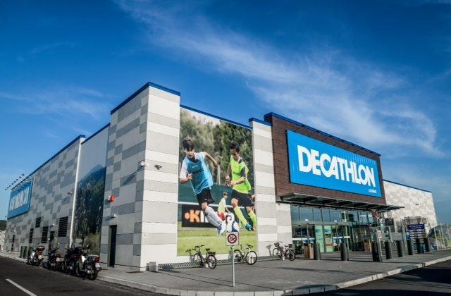 Decathlon lascia Serravalle per Alessandria. Tra gli incentivi per il  trasferimento dei lavoratori anche una bici pieghevole 02e543ddb286