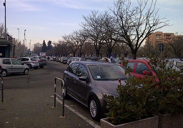 Più illuminazione e poi un parcheggio multipiano per aumentare la