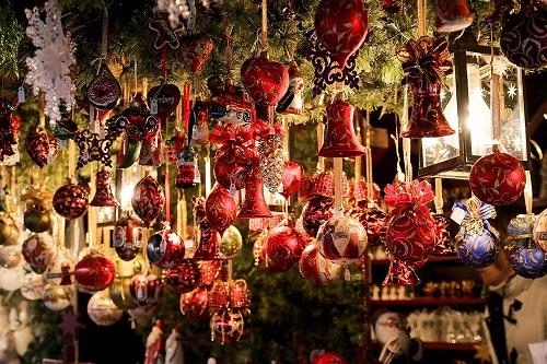Addobbi Natalizi Tirolesi.Il Fascino Dei Mercatini Di Natale Tirolesi Tra Tradizione E Artigianato