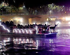 A Milano la tradizione natalizia si riflette tra le sponde del Naviglio, torna il Darsena Christmas Village