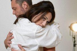 """Un lungo abbraccio tra Tiziano Ferro e Carmen Consoli: ecco il video de """"Il conforto"""""""