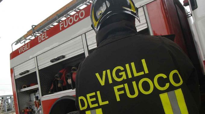Il paradosso dei pompieri: l'emergenza di chi aiuta nelle emergenze