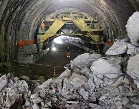 Infortunio sul lavoro nel cantiere Terzo Valico: operaio investito da un escavatore, è grave