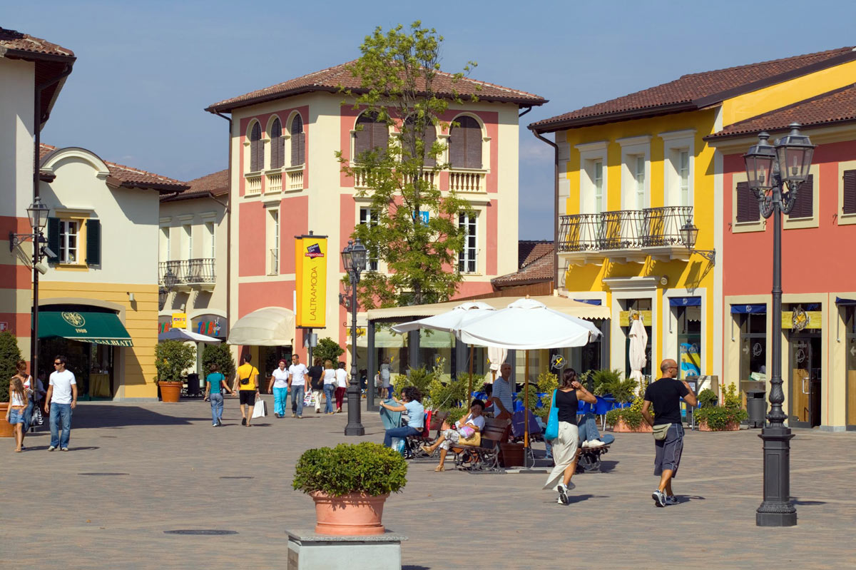 incontri in citta outlet