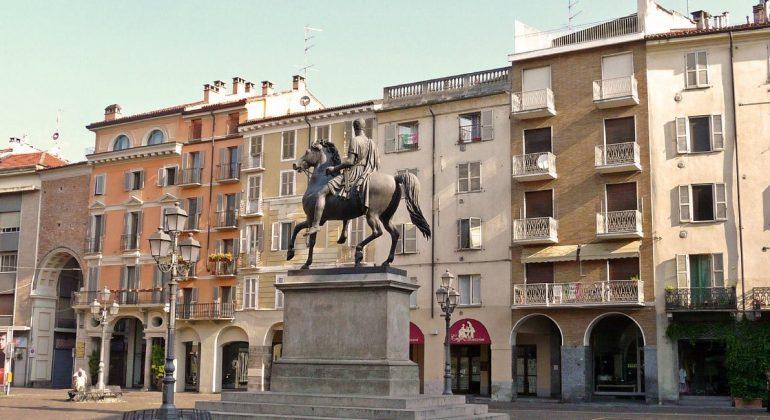 Casale piazza Mazzini