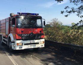 Vigili del Fuoco spengono incendi di sterpaglie a Molare e Portanova