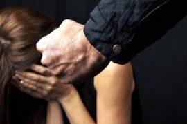 Picchia la figlia per l'ennesima volta: arrestato