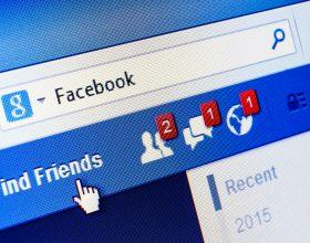 I Carabinieri lo multano e lui li offende su facebook
