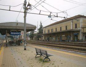 Molesta una donna sul treno e tenta la fuga: bloccato dalla Polfer