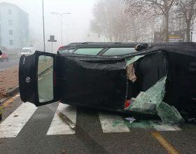 Auto ribaltata davanti al Meier