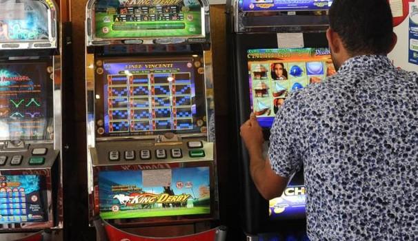 """Gioco d'azzardo: """"azzerare legge è scommettere su salute dei piemontesi"""""""
