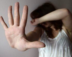 Minacciata di morte più volte dal marito, anche davanti ai figli, un incubo durato anni