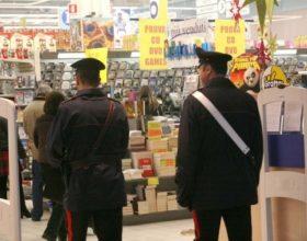 Beccato due volte a rubare in un supermercato di Alessandria