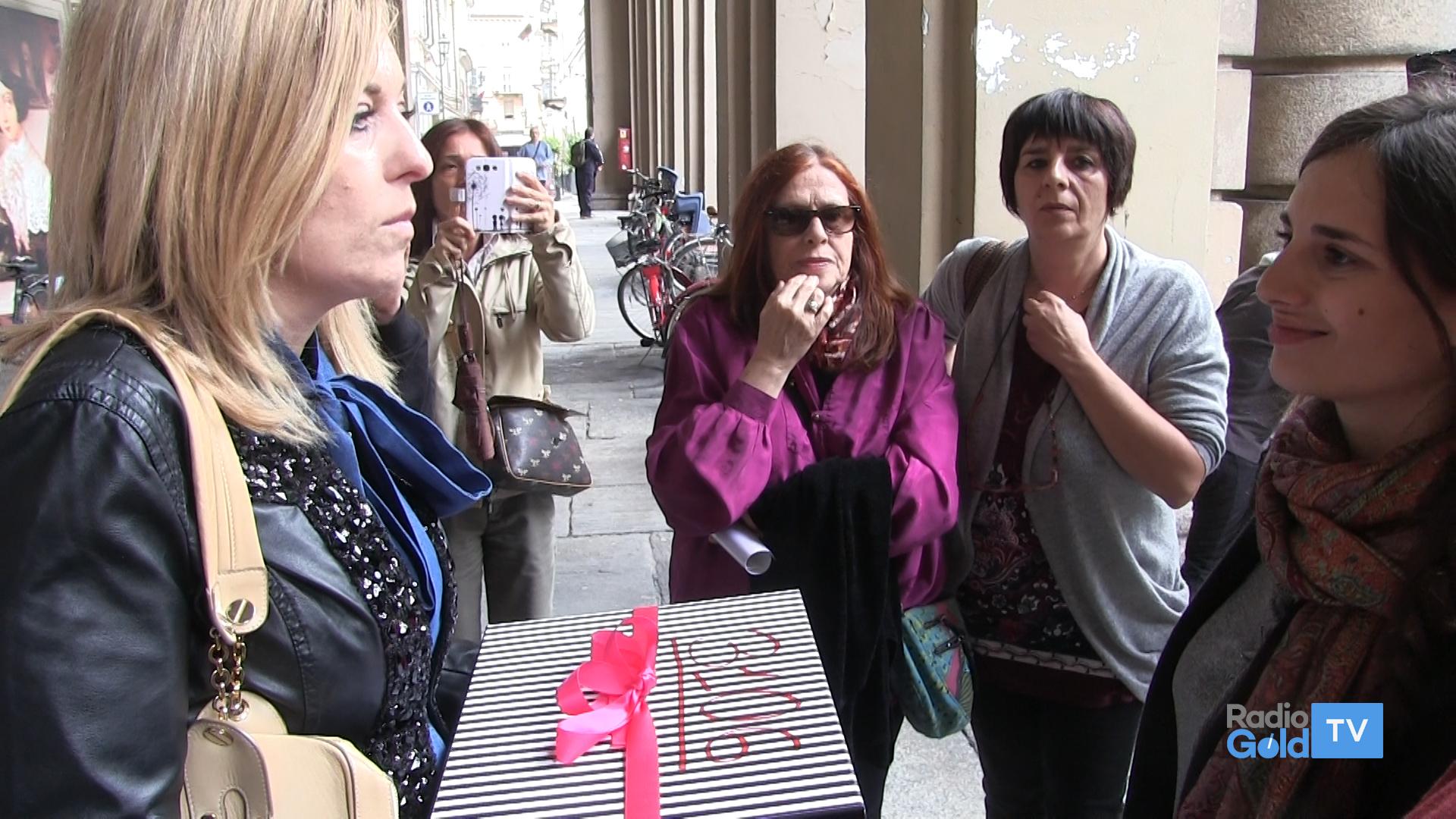 Fumata nera all 39 incontro in comune per la casa delle donne for Raccordo meno costoso per la casa