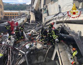 """""""Si scava a oltranza"""": parla un Vigile del Fuoco alessandrino a Genova"""