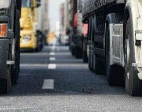 No mezzi pesanti sul cavalcaferrovia tra rotonda Oasi e quella per Castelnuovo