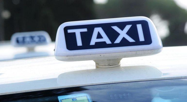 Nuova area taxi in Piazza Ceriana al quartiere Cristo