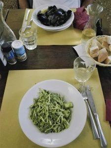 Cavour 21 - locali a Genova dove mangiare piatti tipici spendendo poco