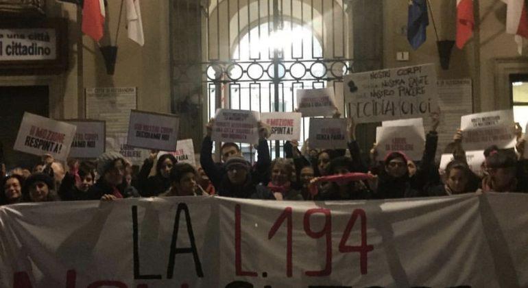 Protesta contro mozione pro vita