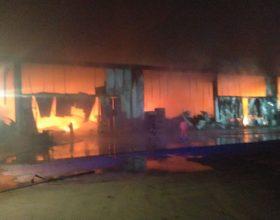Vasto incendio causa ingenti danni in un'azienda di Guazzora