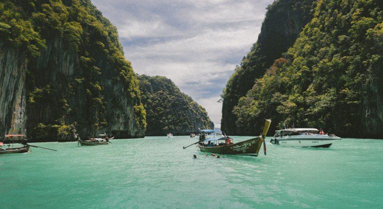 Vietnam by jakob-owens-unsplash