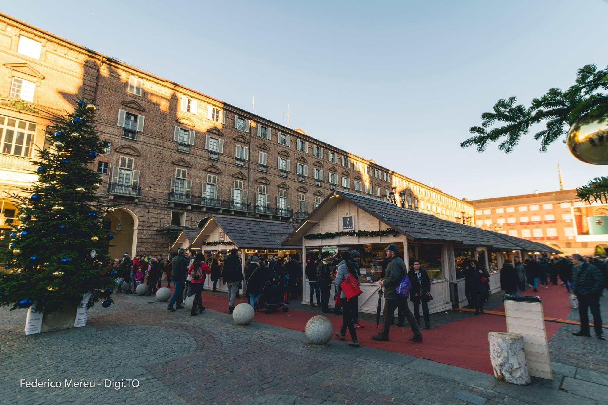 Villaggio Babbo Natale Torino.I 5 Mercatini Di Natale Da Non Perdere In Piemonte Liguria