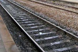 Persona investita sui binari: traffico ferroviario sospeso sulla Milano-Genova
