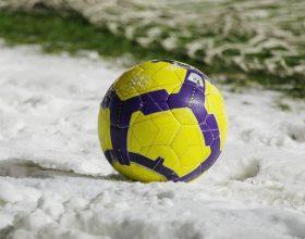 neve-stadio-rinviata-pallone