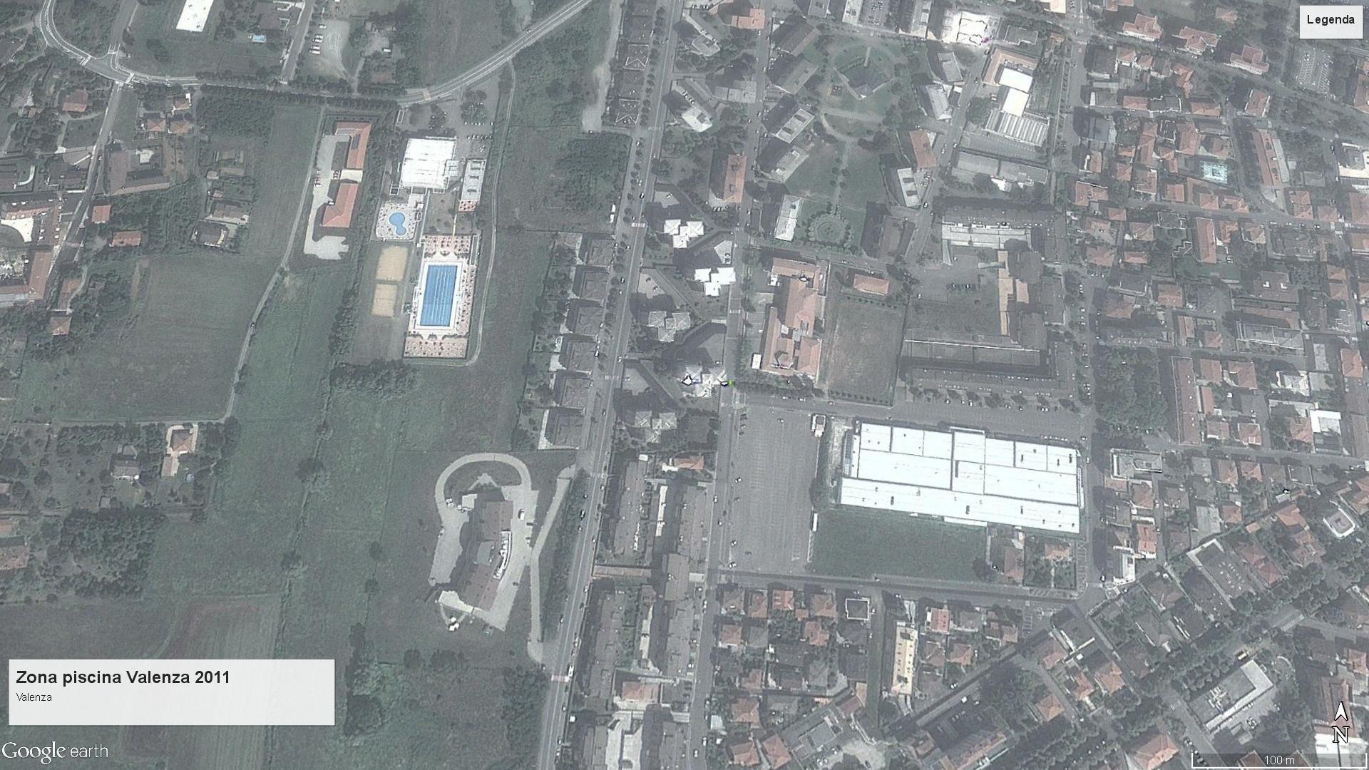 Valenza zona piscina 2011