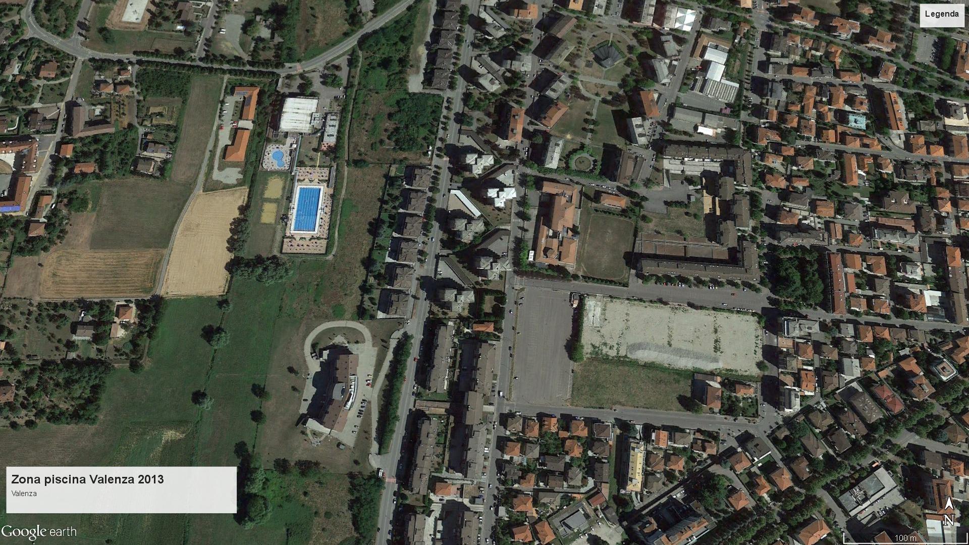 Valenza zona piscina 2013