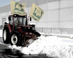 trattore spazzaneve Coldiretti