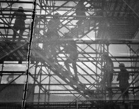 Impresa edile - Photo by John Salvino on Unsplash
