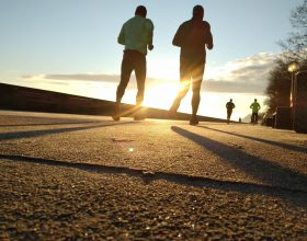 Runners - Photo by Tomasz Woźniak on Unsplash