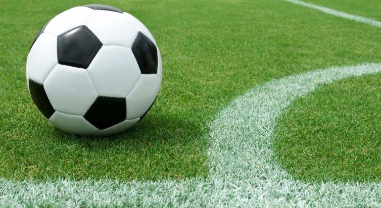 Calcio: il lungo elenco delle partite rinviate