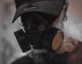 Maschera a gas - Photo by Dani Ramos on Unsplash