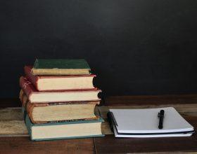 Scuola - Photo by Debby Hudson on Unsplash