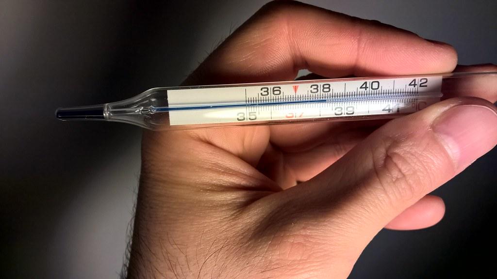 In Piemonte E Scontro Sulla Misurazione Della Febbre Agli Studenti Un termometro febbre digitale garantisce molteplici vantaggi rispetto ai vecchi termometri a mercurio: misurazione della febbre agli studenti