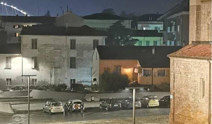 piazza santa maria di castello auto parcheggiate