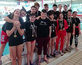 Nuoto: quasi venti medaglie per Golden Team agli invernali di velocità Uisp