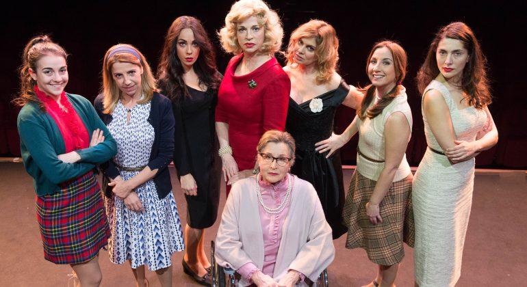 Al Carbonetti di Broni sold out lo spettacolo Otto donne e un mistero