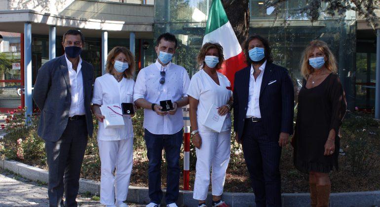 Damiani ringrazia medici e infermieri dell'ospedale di Tortona: in regalo un gioiello Bliss