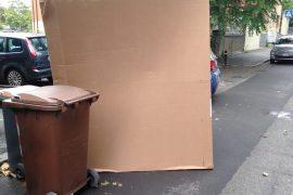 Imballaggi cartone abbandonati
