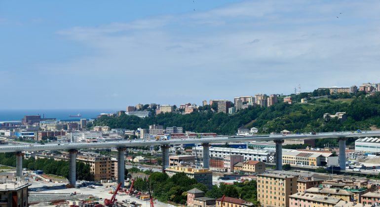 Stasera ai piedi del nuovo ponte di Genova il concerto per le vittime del Morandi e per gli oltre mille tecnici e operai che hanno lavorato alla nuova infrastruttura
