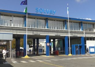 Ad Alessandria un consiglio comunale dedicato alla Solvay: assente il Comitato che vorrebbe chiuderla