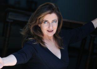 """Il Teatro Sociale di Valenza """"Apre"""" anche nel 2020: si comincia con Francesca Reggiani"""