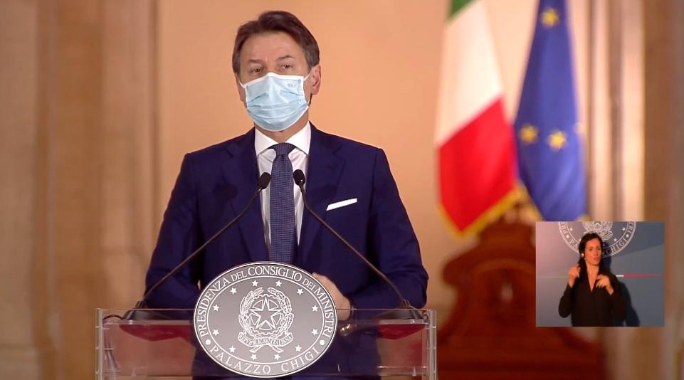 Le nuove misure del Dpcm anti coronavirus lette dal premier Conte